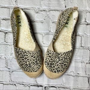 Roxy snow leopard slip on burlap shoes size 10